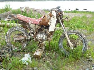 海底から引き揚げられたバイク